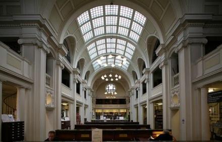 Bristol Merkez Kütüphanesi - İngiltere